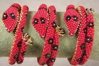 Эффектный браслет - змея из бисера своими руками