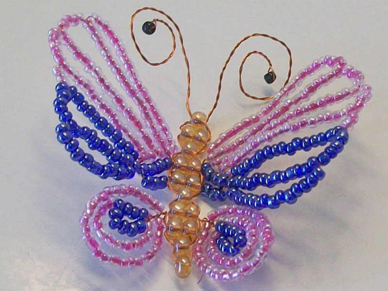Простая бабочка из бисера - схема плетения для начинающих