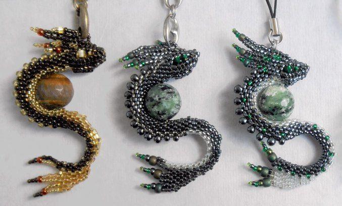Брелок Дракон из бисера: стильное украшение как для женщин, так и для мужчин