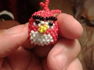 Птичка Ред из Angry Birds из бисера: две разные техники